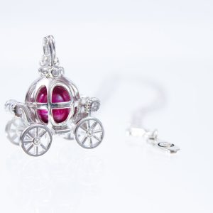 Princess Carriage Glass Ashes Pearl Pendant